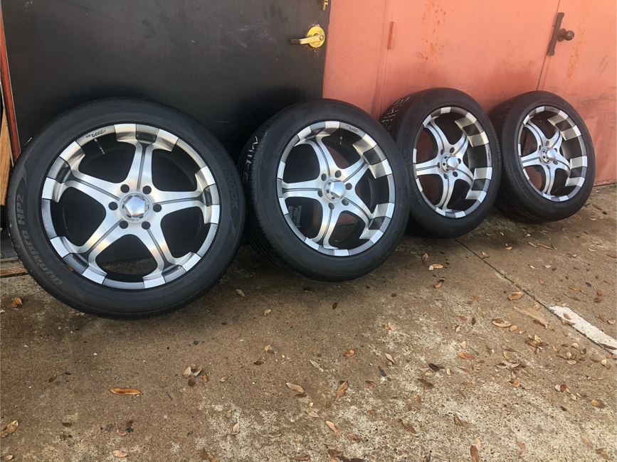 Photo Used rims wheels 20 inch after market for truck suv 6 lug bolt pattern 5.50 inch 139.70 mm set of 4