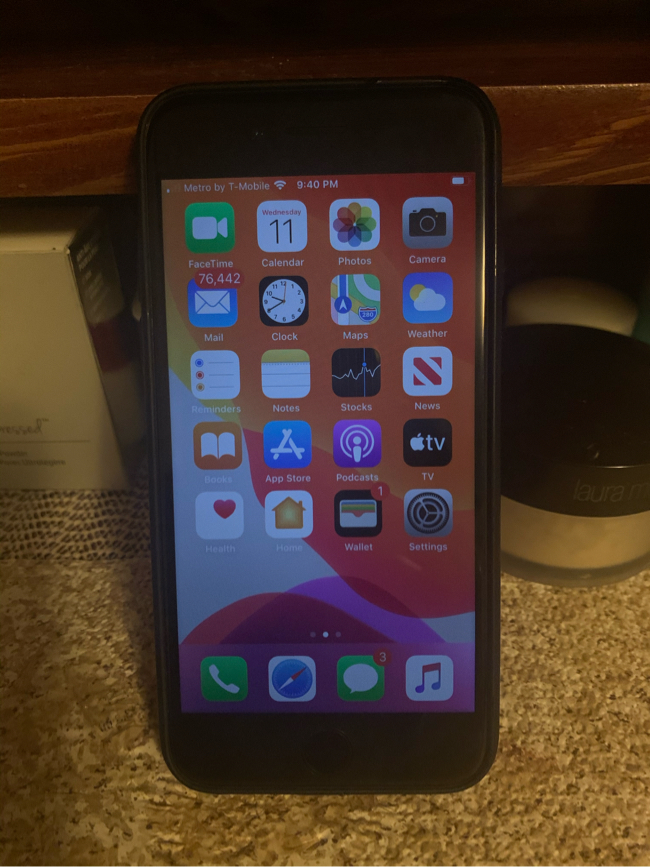 Photo BOOST MOBILE IPHONE 6s 32gb LIKE NEW