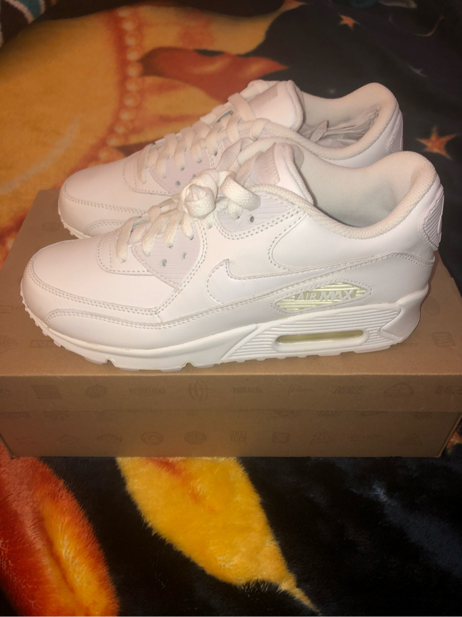 Photo All White Women's Nike Air Max 90 Size 7.5