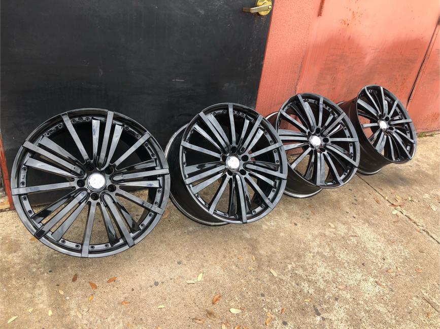 Photo Rims wheels 20 inch after market 5 lug bolt pattern 115 mm 114.30 mm set of 4