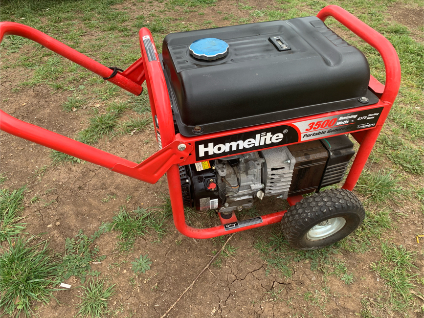 Photo Homelite 3500 watt generator