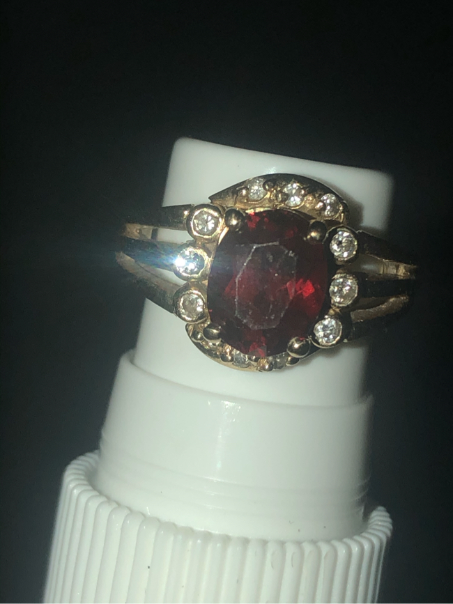 Photo Antique 14k REAL yellow gold REAL ruby ring