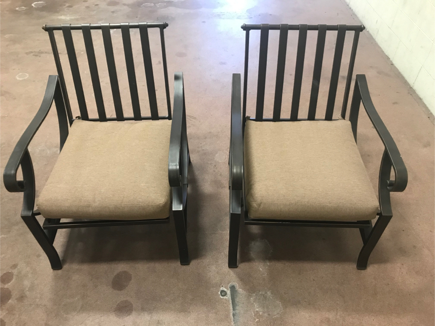 Photo Hampton Bay Metal Outdoor Patio Dining Chair with Beige Cushions