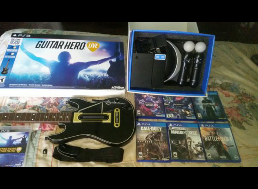 Photo *Selling Playstation VR Bundle & Guitar Hero Live *Everything you see here*