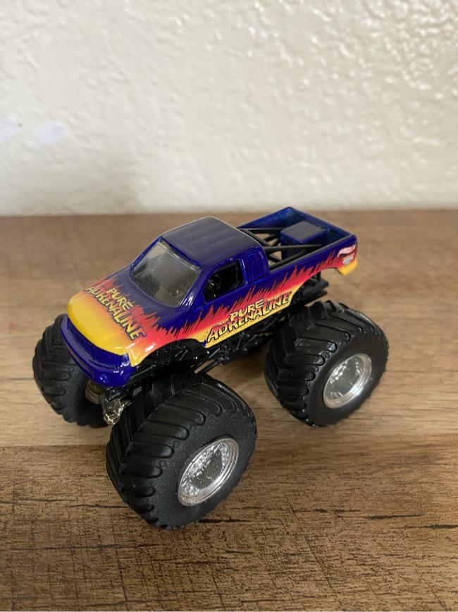 Photo Hotwheels Monster Jam Pure Adrenaline (1:64 Scale)