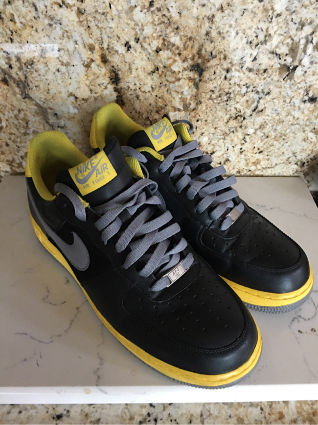 Photo NIKE AIR FORCE 1 '07 BLACK/STEALTH-TOUR YELLOW-Size 12