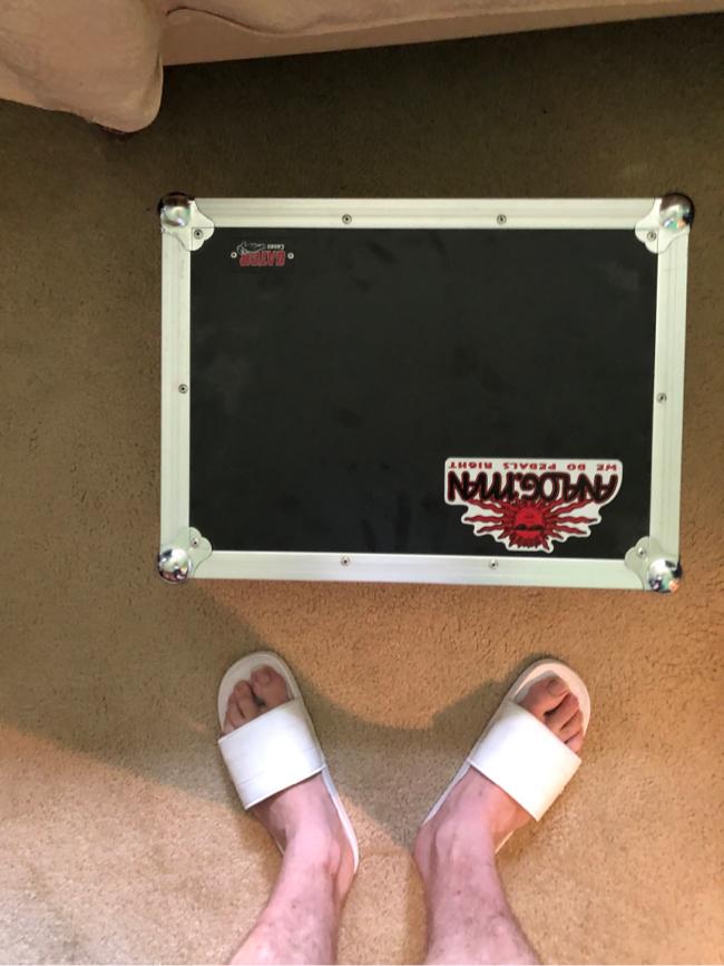 Photo Gator case guitar pedal board