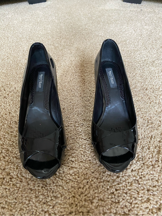 Photo Size 8 high heels White House black market shoes used only once