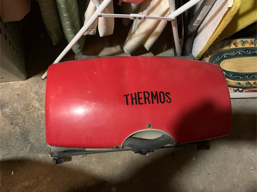 Photo Thermos stand up grill maybe use five times right now