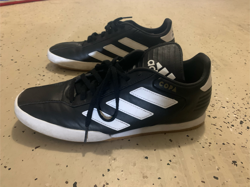 Photo Indoor soccer shoes