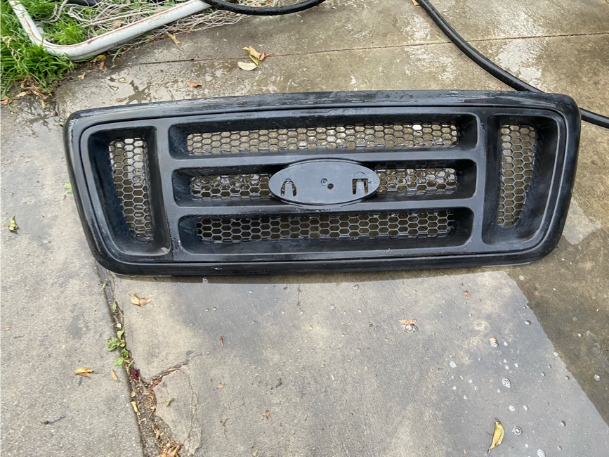 Photo Ford Grill hood f150 doors bed bumper