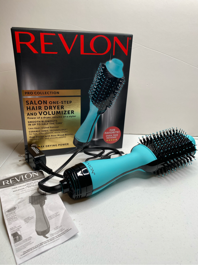 Photo Revlon Pro Collection Salon One-Step Hair Dryer and Volumizer Cool Tip, Blue