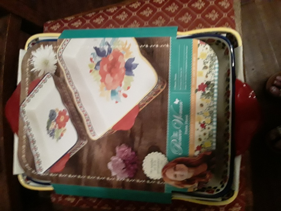 Photo The Pioneer Woman Fiona Floral Baking set NEW IN BOX!
