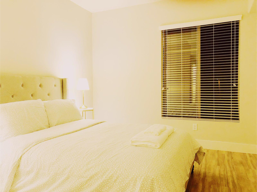Photo Queen size bed frame and mattress