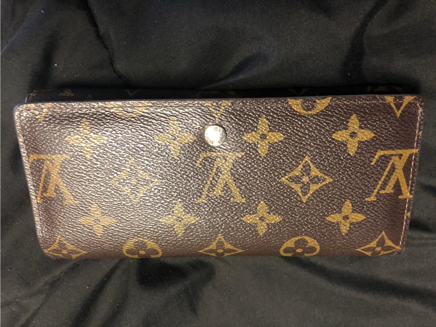 Photo Louis Vuitton wallet
