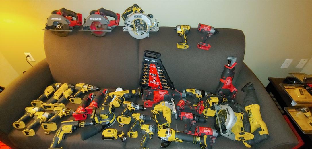 Photo Dewalt and Craftsman drills impacts saws all NEW