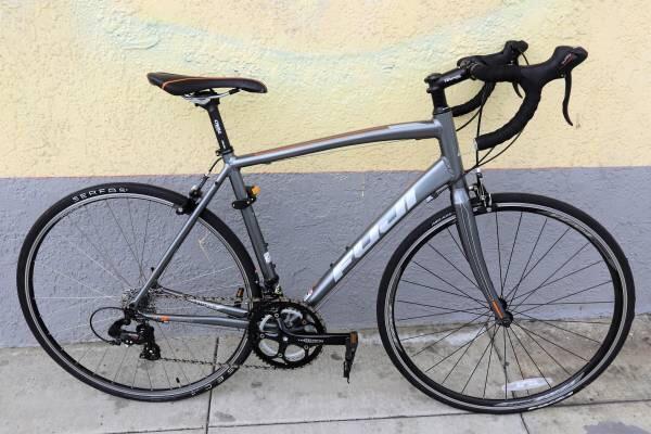 Photo Fuji Bikes Fuji Sportif 2.5 56cm Road Bike - 2016 (Grey/Orange).