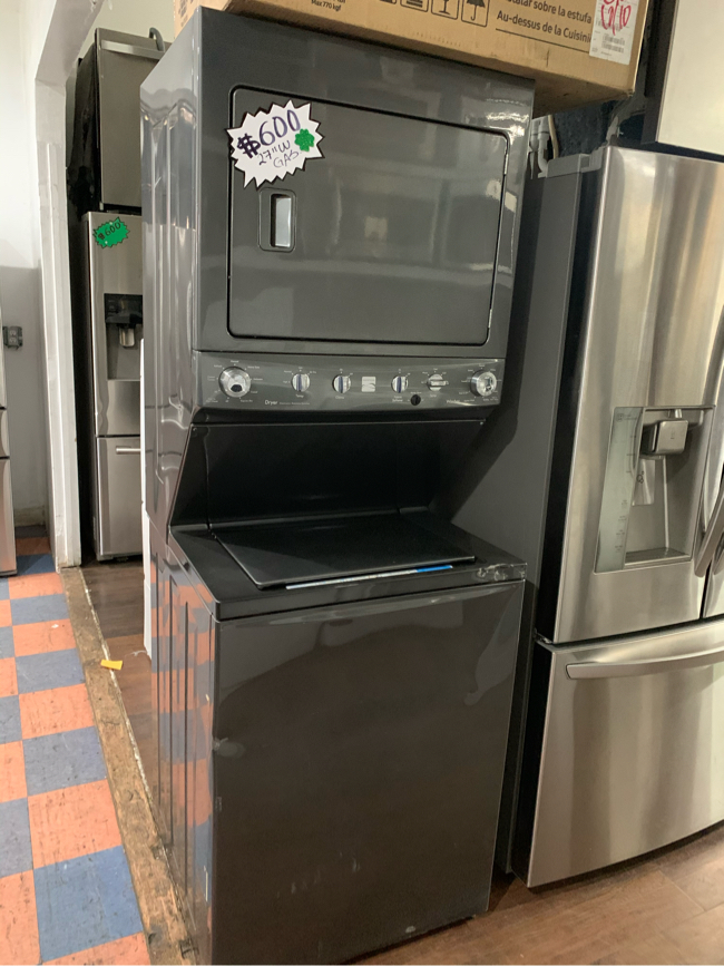 """Photo Kenmore Black Stainless Steel Gas 27"""" Wide Stackable"""