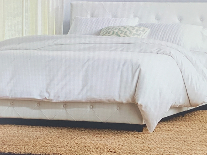 Photo Full size bed + mattress + topper + new sheets