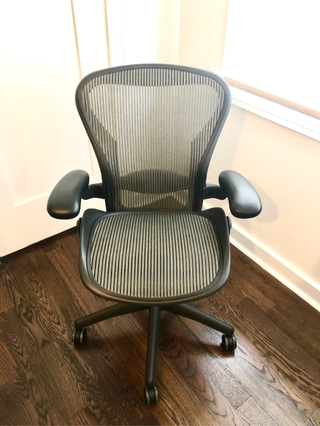 Photo LIKE NEW Herman Miller Aeron chair, made in USA, retails $1,425