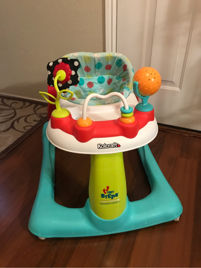 Photo Kolcraft Tiny Steps 2-in-1 Infant & Baby Activity Walker