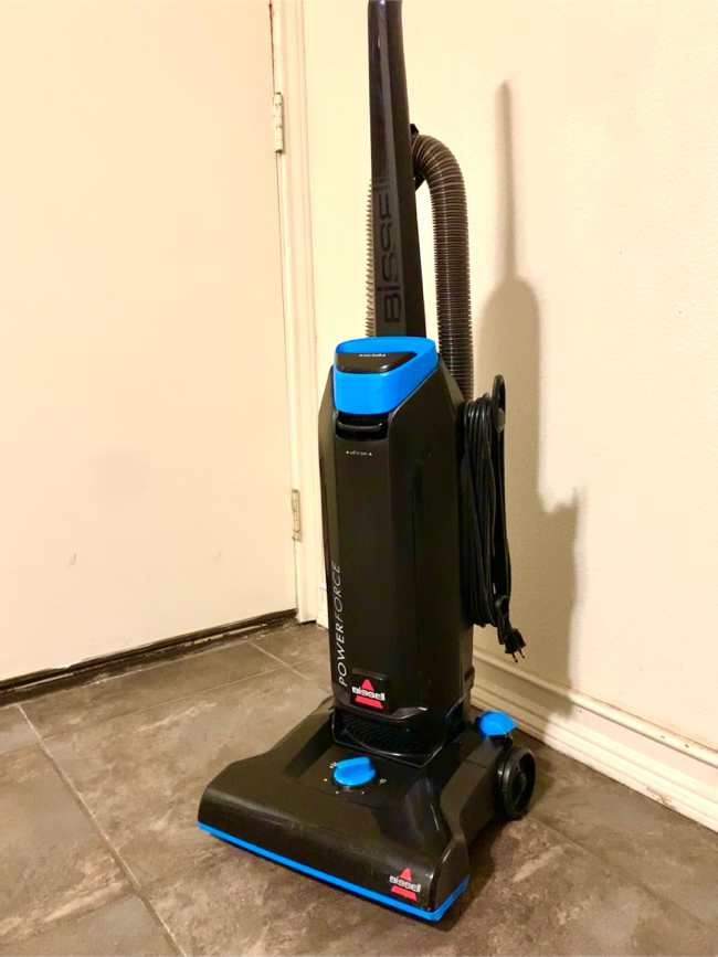 Photo Like New-BISSELL Powerforce bag vacuum