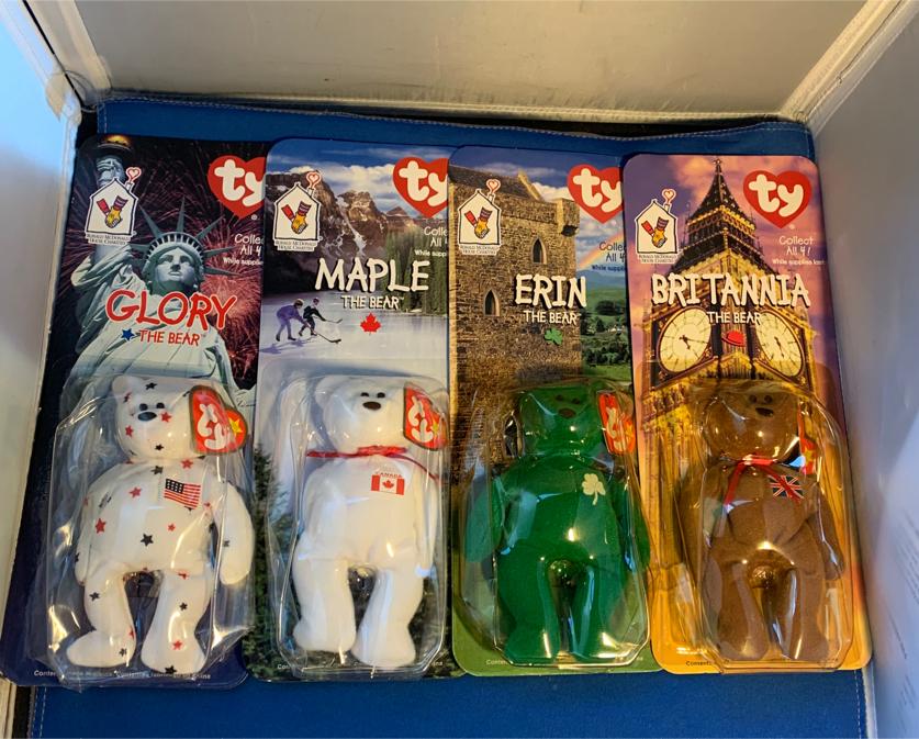 Photo Ty Beanie Babies'Maple''Britannia''Glory'&'Erin''The Bear'New tush tags say 1993.