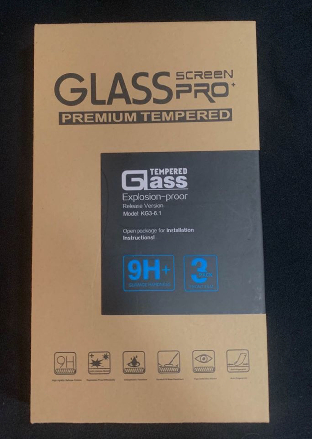 Photo BRAND NEW iPhone XR/ iPhone 11 tempered glass screen protectors, 3 pk