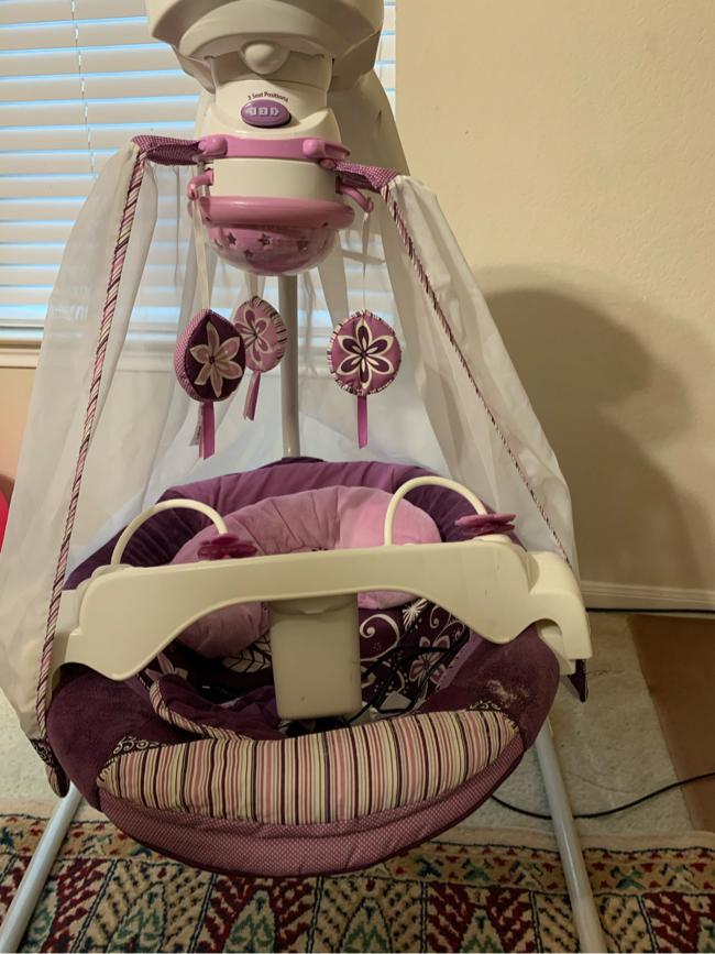 Photo Baby swing fisher price