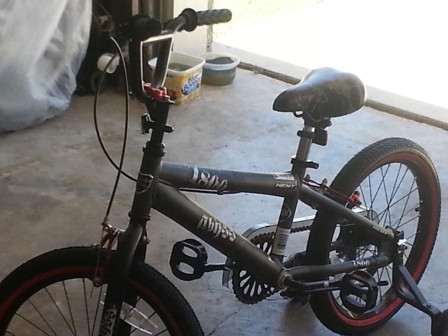 Photo BOYS 18 INCH FREE STYLE BMX BIKE NEW