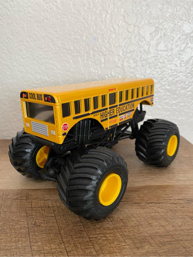 Photo Hot Wheels Monster Jam Higher Education Cool Bus Monster Truck (1:24 Scale)