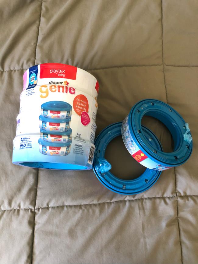 Photo Playtex Diaper Genie Value Pack (240x4) + 2, (6) refills in total.