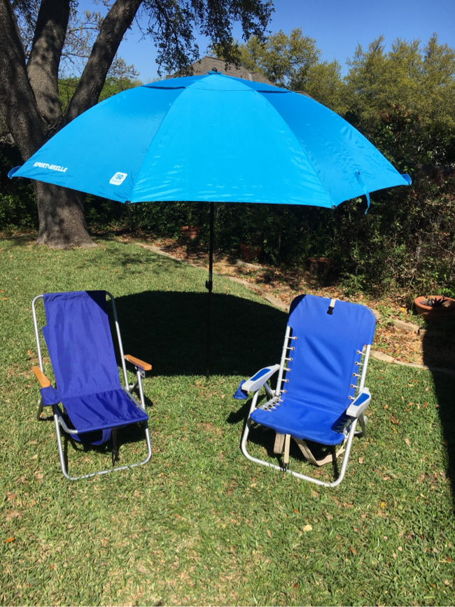 Photo Sport brella and beach chairs