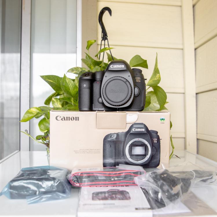 Photo Canon Eos 5DS camera 50.6 MP (0 shutter count)