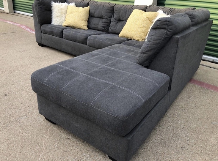 Photo Ashley sectional couch sofa