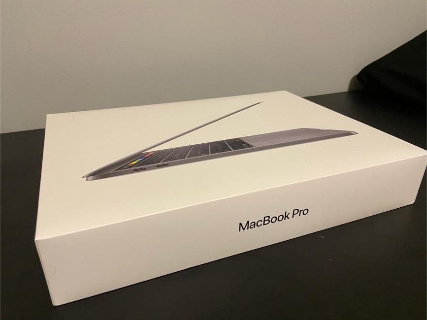 Photo Mac Book Pro Box