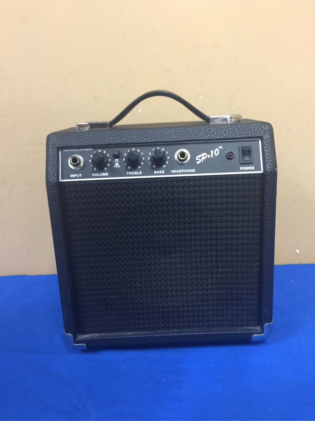 Photo Fender Starter Practice 22 Watt Guitar Amp (Model: SP 10)