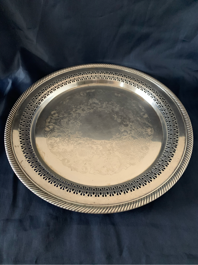 Photo Wm Rogers Silver plate