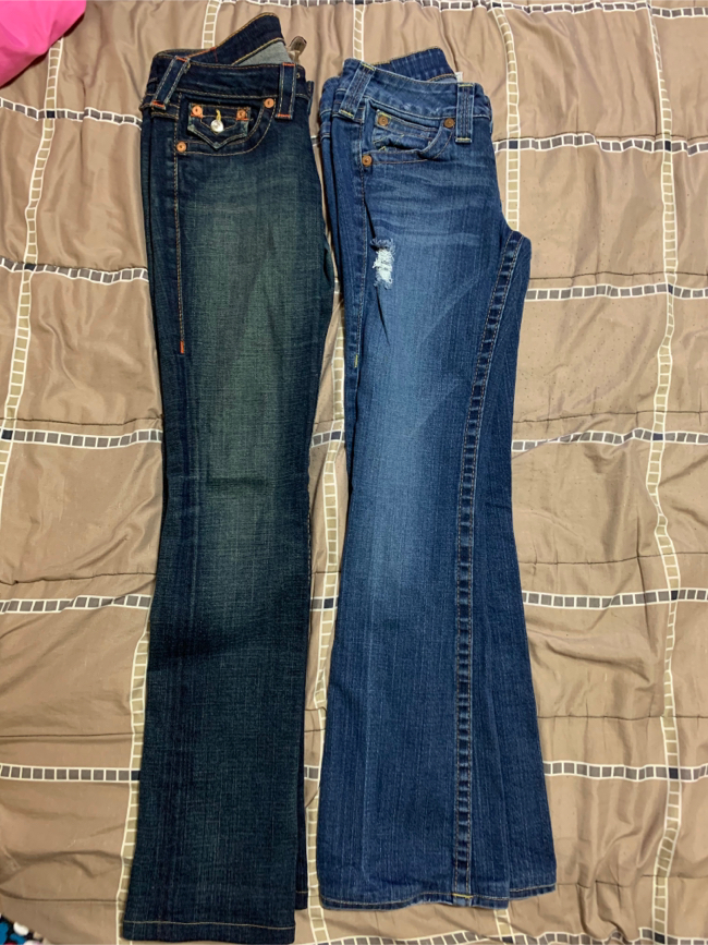 Photo True Religion jeans size 26 ( $30 for both)