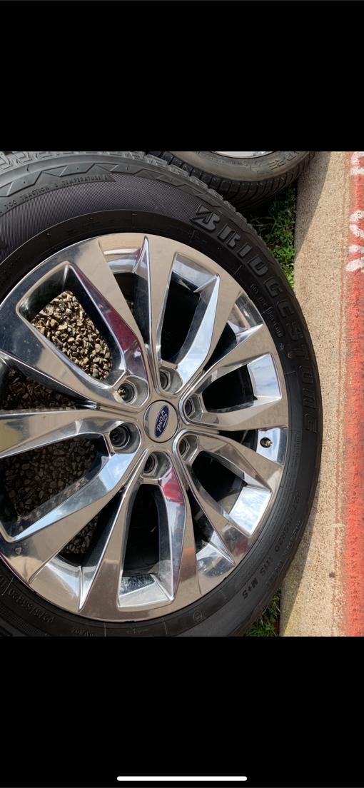 Photo 2019 F150 stock wheels