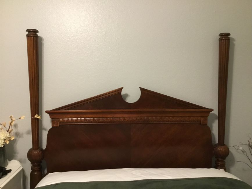 Photo Solid wood queen size bed frame headboard & footboard
