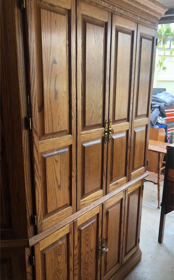 Photo Solid Oak Wood CORNER Kitchen Pantry, Armoire, Cabinet, TV Entertainment Center, Dresser