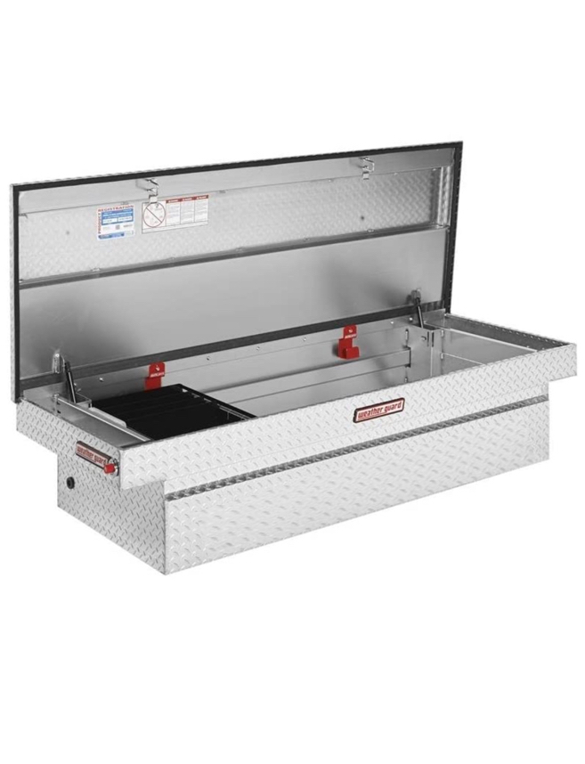 Photo Extra wide aluminum truck tool box
