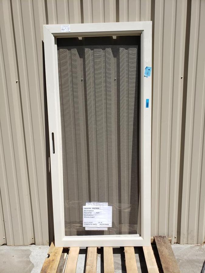 Photo Larson Signature White Full-View Aluminum Steel Door - (36-in x 81-in)