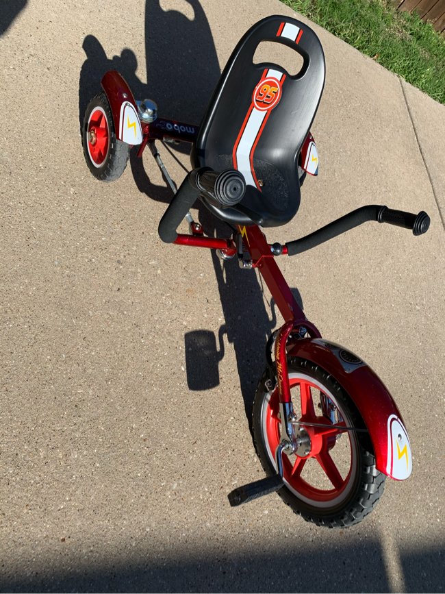 Photo MOBO TOT DISNEY PIXAR CARS LIGHTNING MCQUEEN (SPECIAL) AJUSTABLE RECUMBENT Toddler's Ergonomic 3-Wheeled Cruiser TRICYCLE BIKE BICILETA