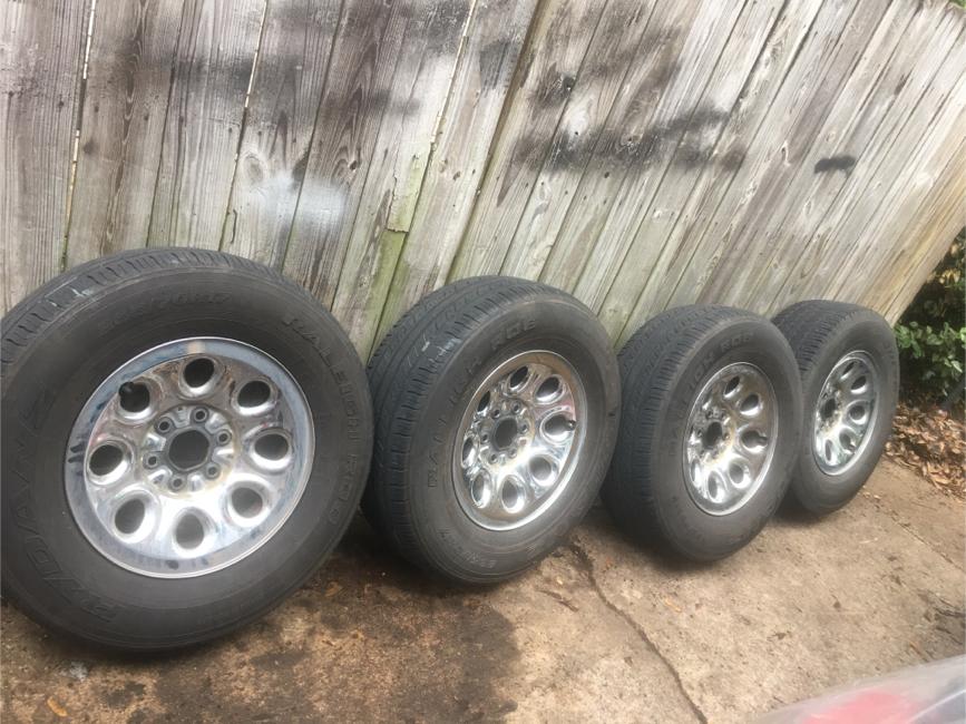 Photo Chevy wheels 6 lugs