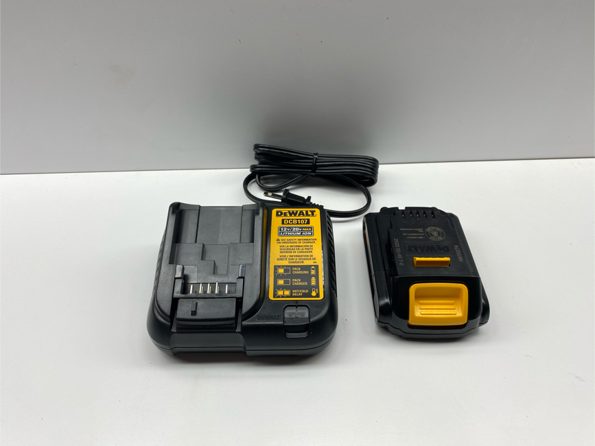 Photo Brand new DEWALT DCB201 20V 20 Volt 1.5 ah Li-Ion Battery and DCB107 Charger New 2020. Price is firm
