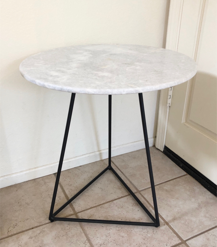 Photo Round White Marble And Metal Accent Table