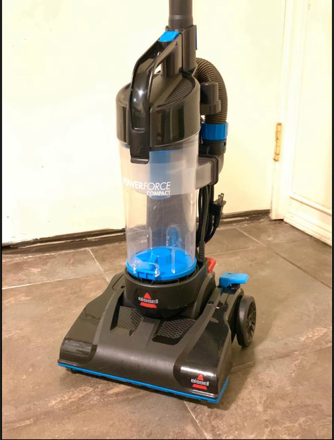 Photo Bissell compact vacuum