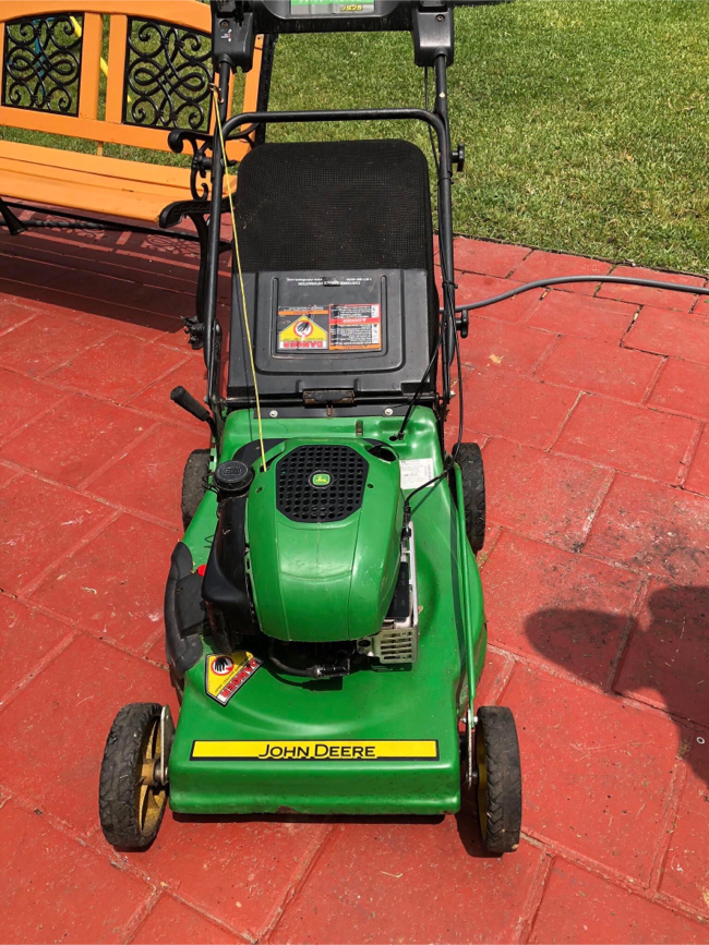 Photo Lawn mower John deer